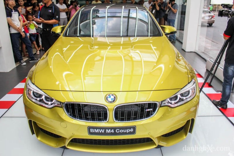 bmw-m4-coupe-08