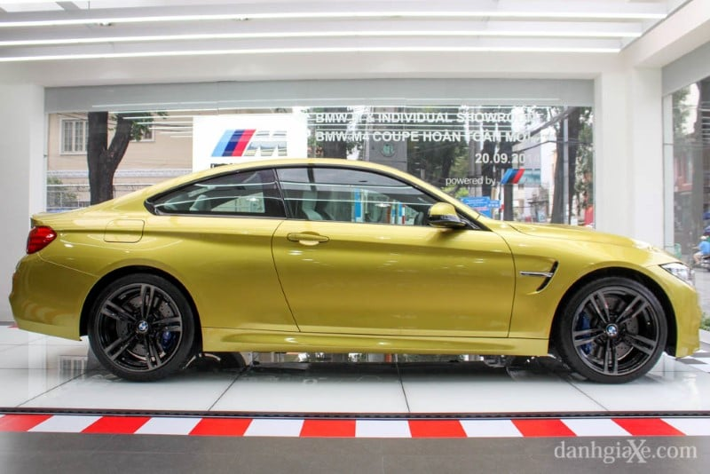 bmw-m4-coupe-11