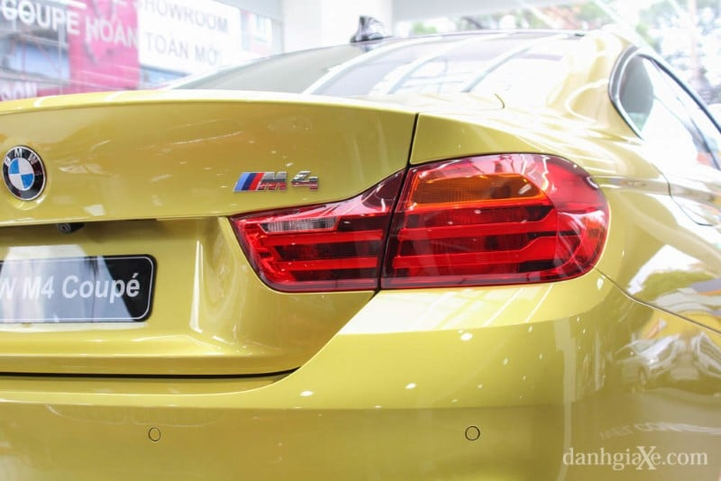 bmw-m4-coupe-13