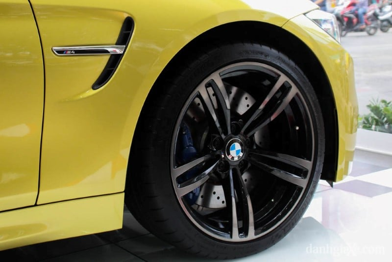 bmw-m4-coupe-37