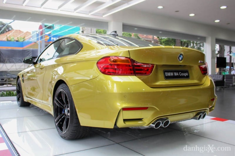 bmw-m4-coupe-40